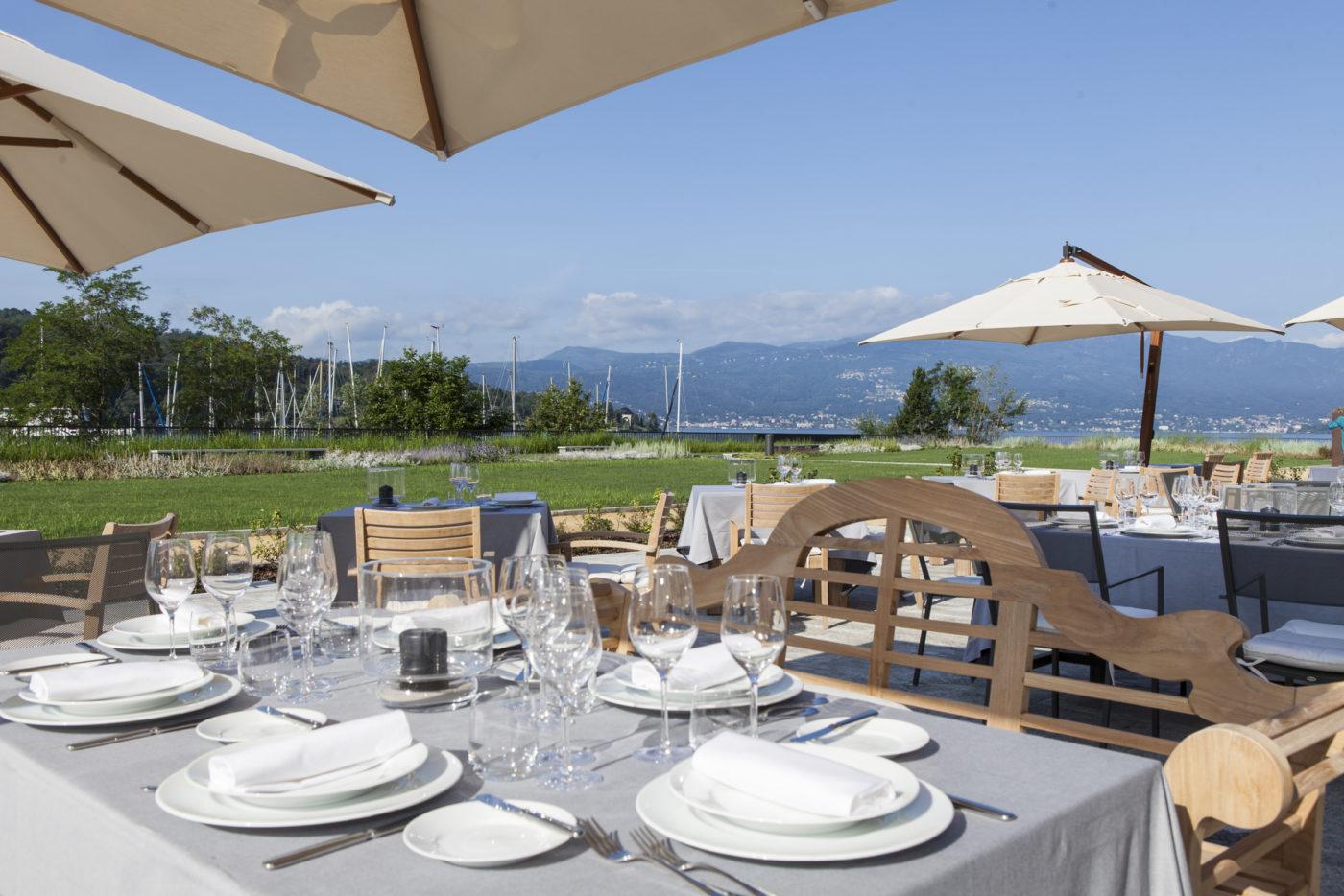 Doccia vista lago all 39 hotel de charme di laveno che ha for Cabine al lago shadd