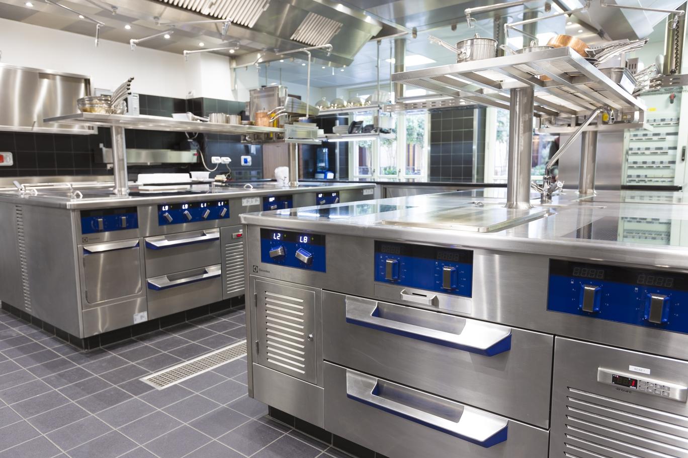 Cucine e lavanderia firmate Electrolux Professional al Mandarin ...