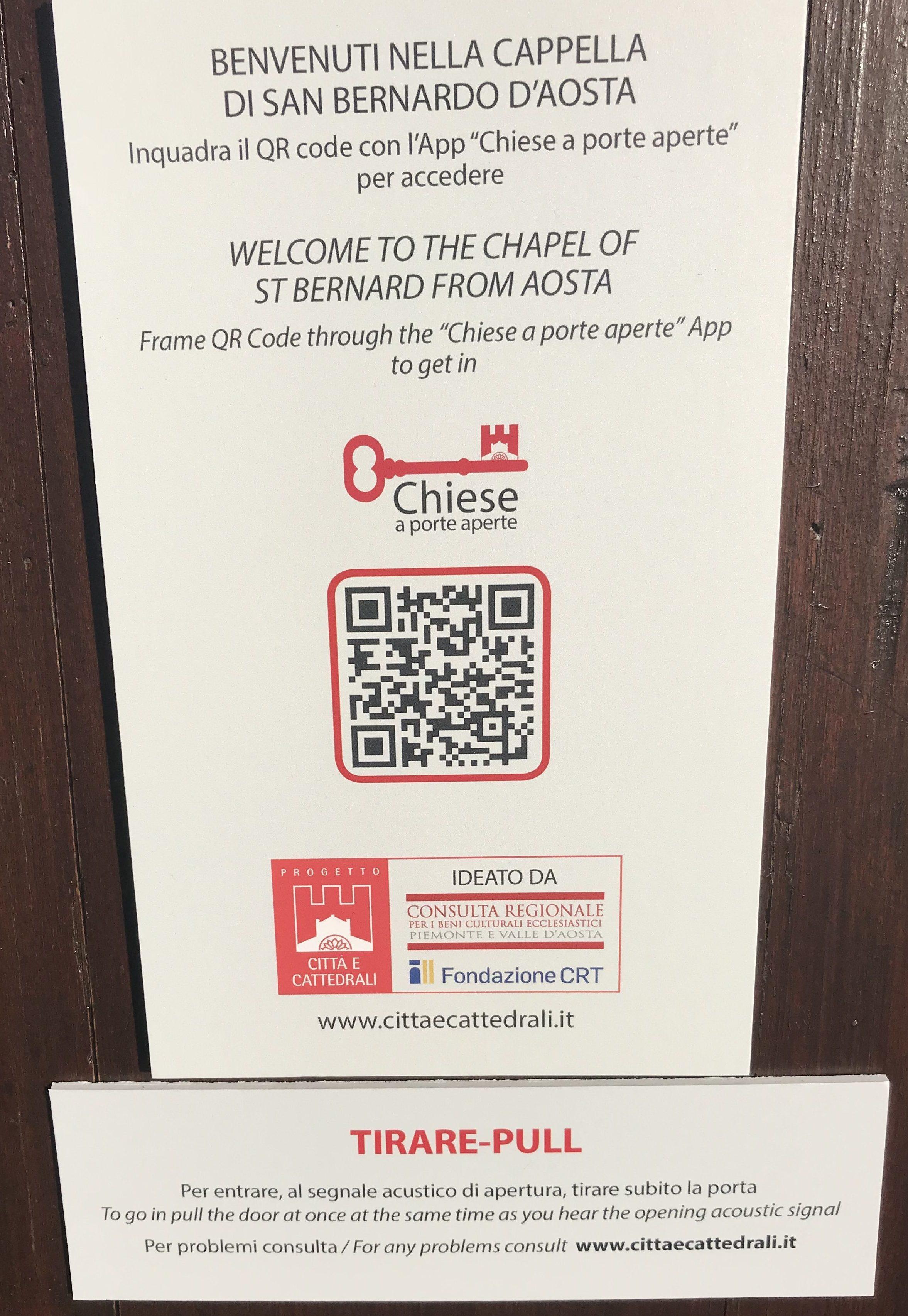 Cartello con QR Code posto all