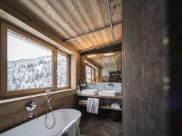 Un bagno della Penthouse del Rosa Alpina