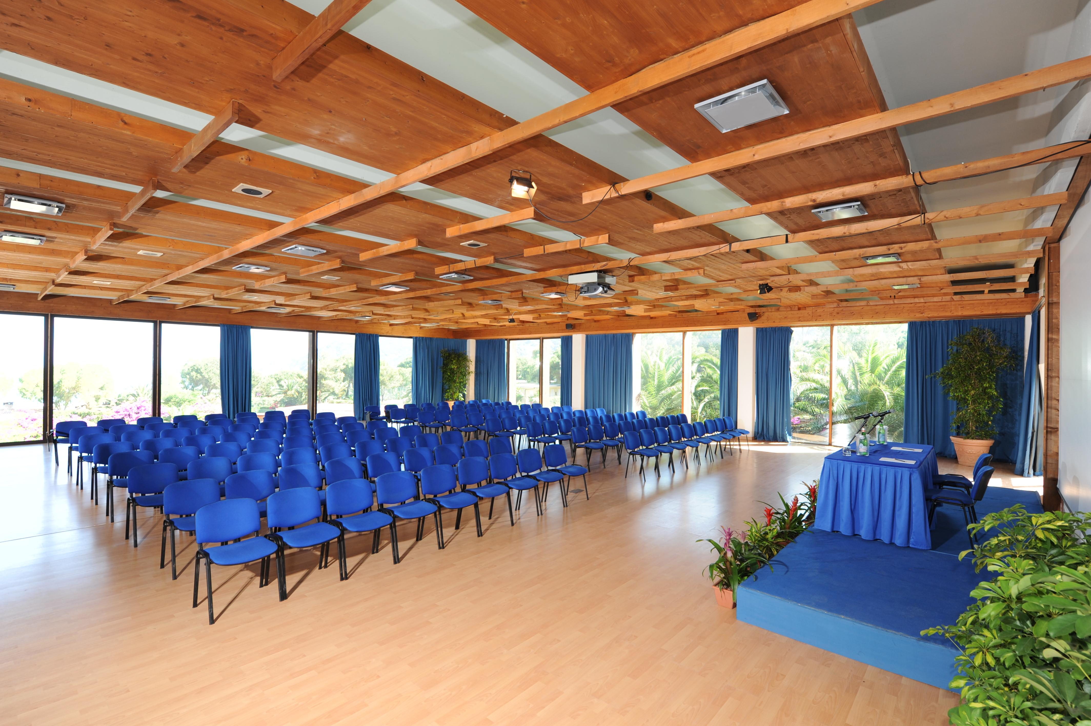 Isola d'Elba, Hotel Hermitage, la sala plenaria del centro congressi