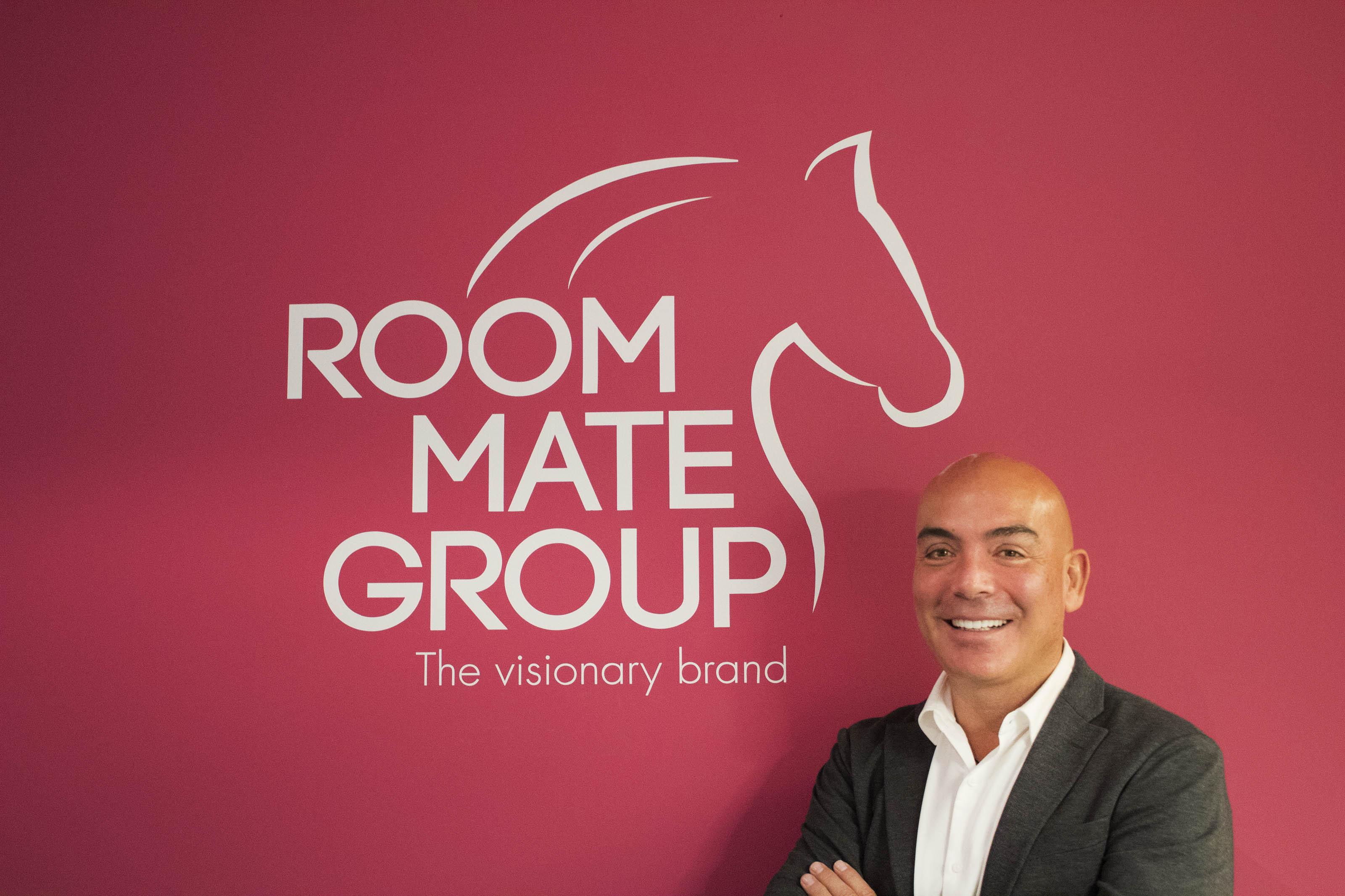 Kike SArasola, presidente e fondatore di Room Mate Group, con il nuovo brand