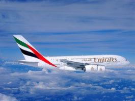 un aereo di Emirates che ha stipulato l'accordo con Trenitalia per favorire la prenotazione di volo più treno