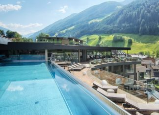 Sky Lounge dell'A&L Wellnessresort in Valle Aurina