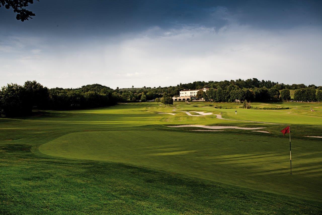Il campo da golf del Blu Hotels Palazzo Arzaga a Calvagese della Riviera, sul Lago di Garda