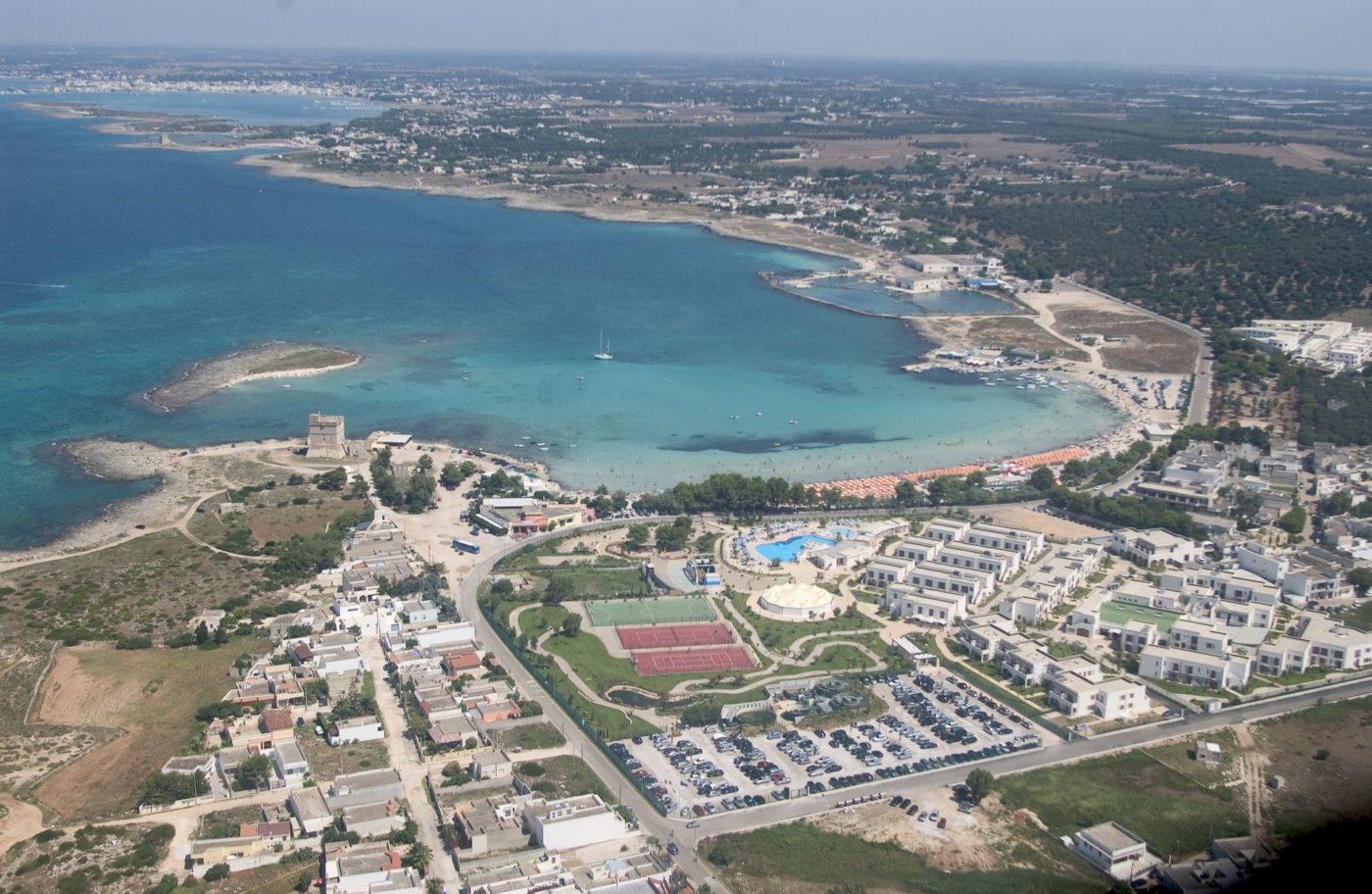 Una veduta aerea del Blu Salento Village gestito da Blu Hotels