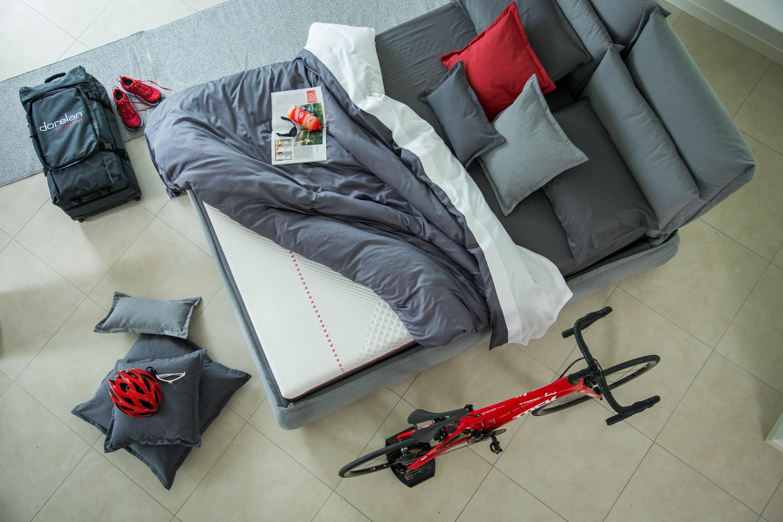 Un letto con il materasso ReActive di Dorelan