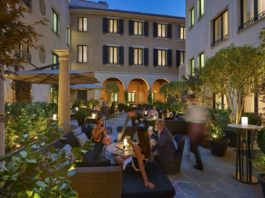 Il Bar Courtyard del Mandarin Oriental di Milano