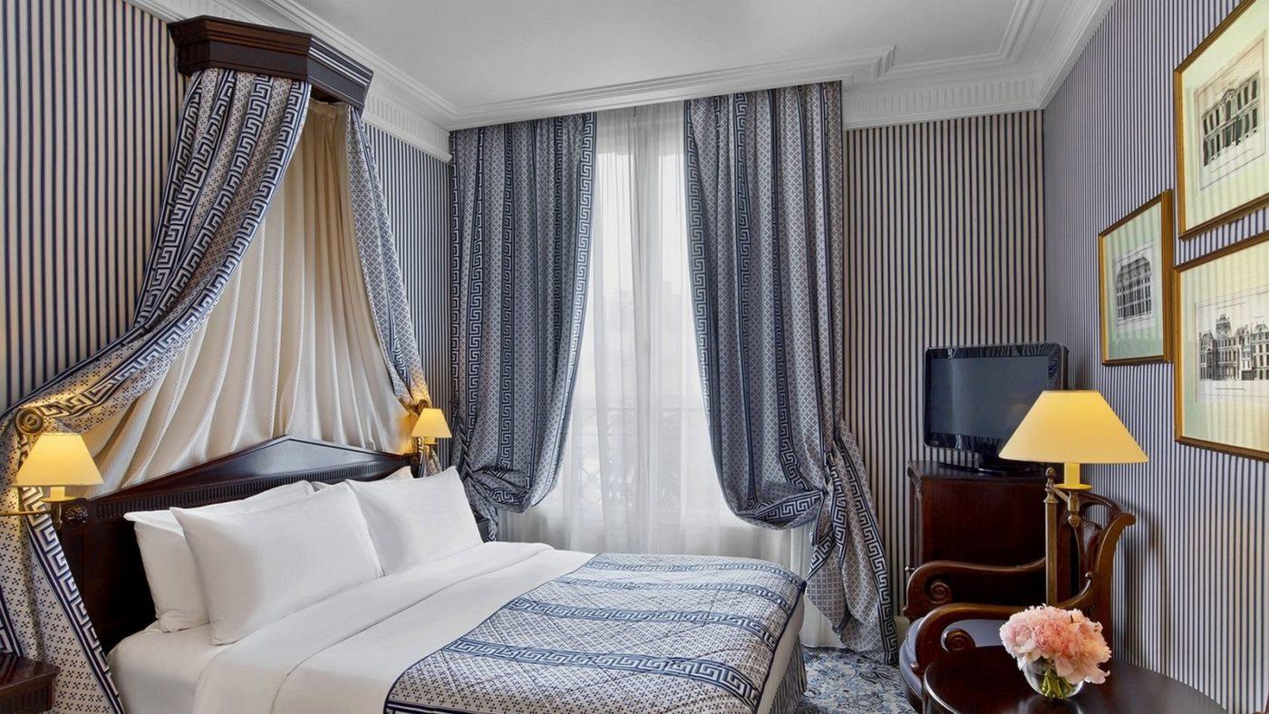 La camera di una suite del Hotel Dokhan's, Parigi