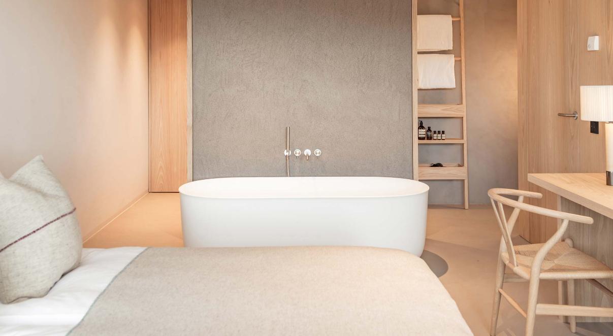 La vasca hammam nelle camere dellhotel schgaguler hotel domani