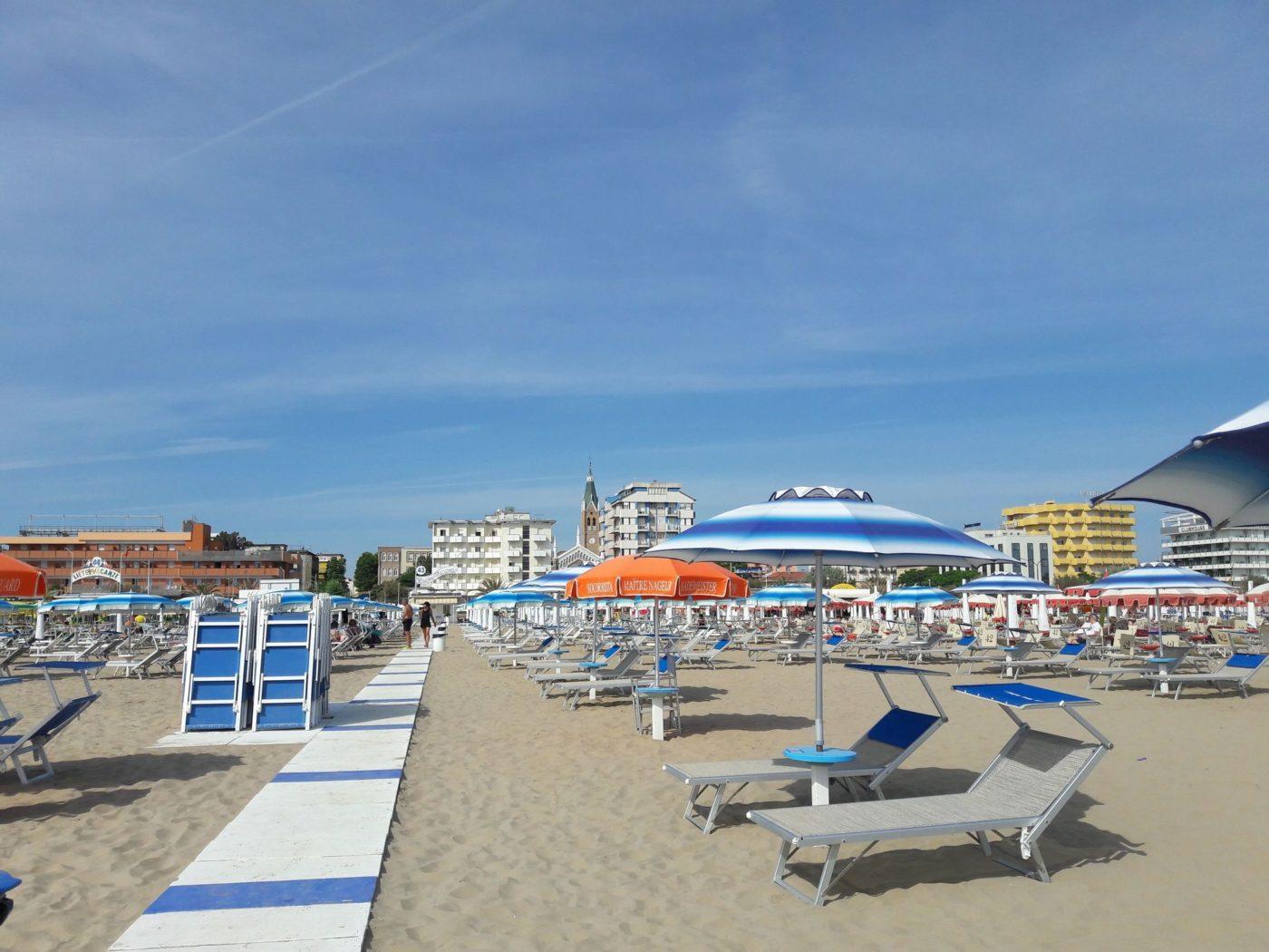 La spiaggia di Rimini, nota località della Romagna