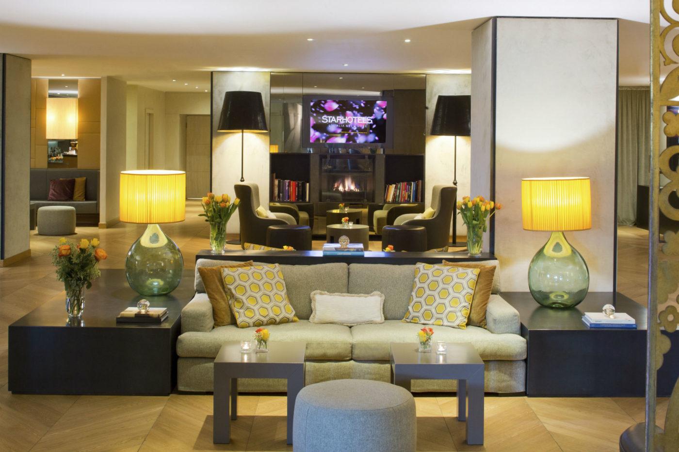 La lobby dello Starhotels Michelangelo di Firenze